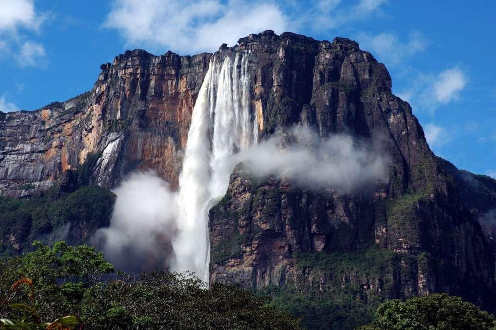 1 highest waterfalls. Salto Angel